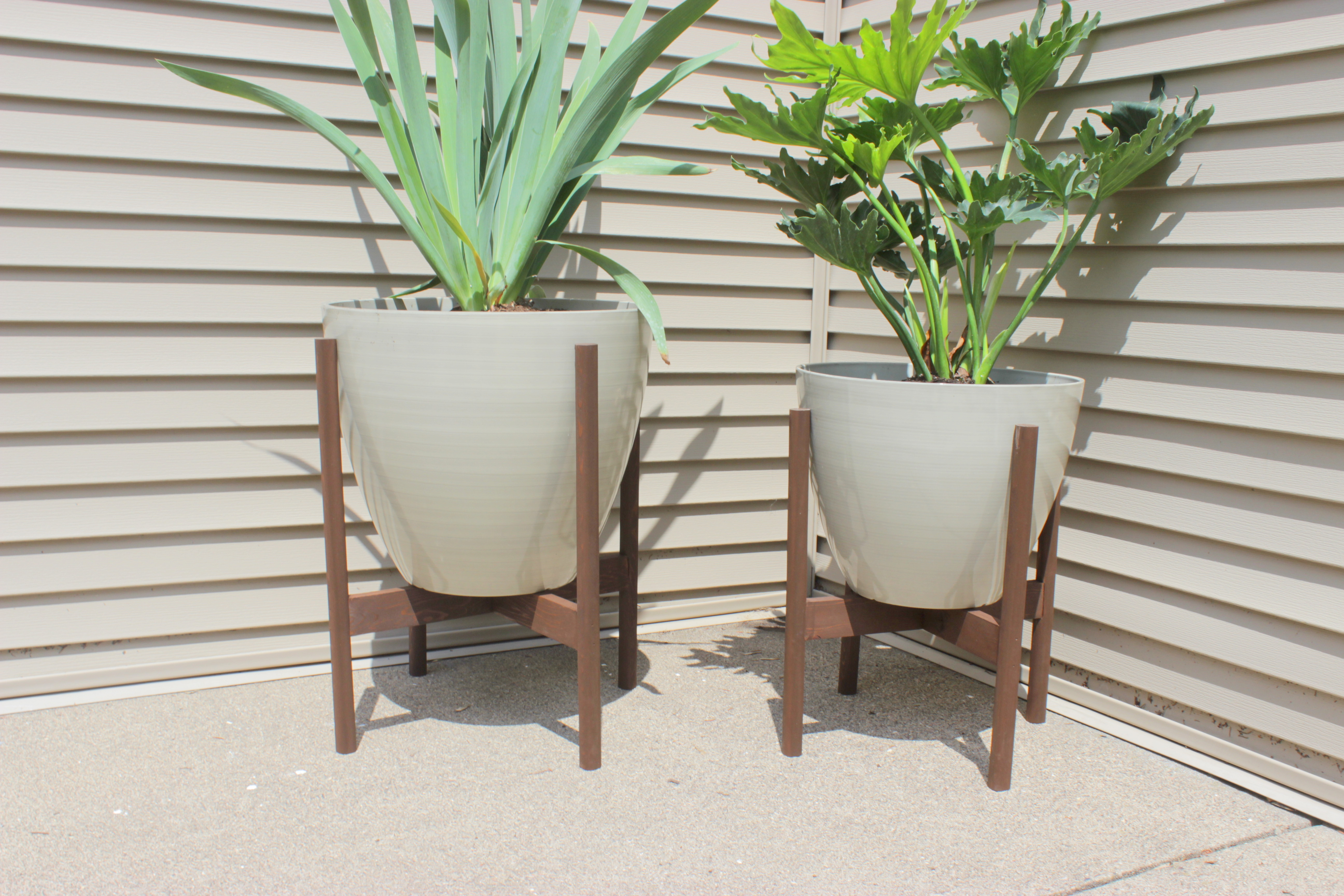 modern planters ideas diy modern planter stands | home coming for remodelaholic.com CKMFMYT