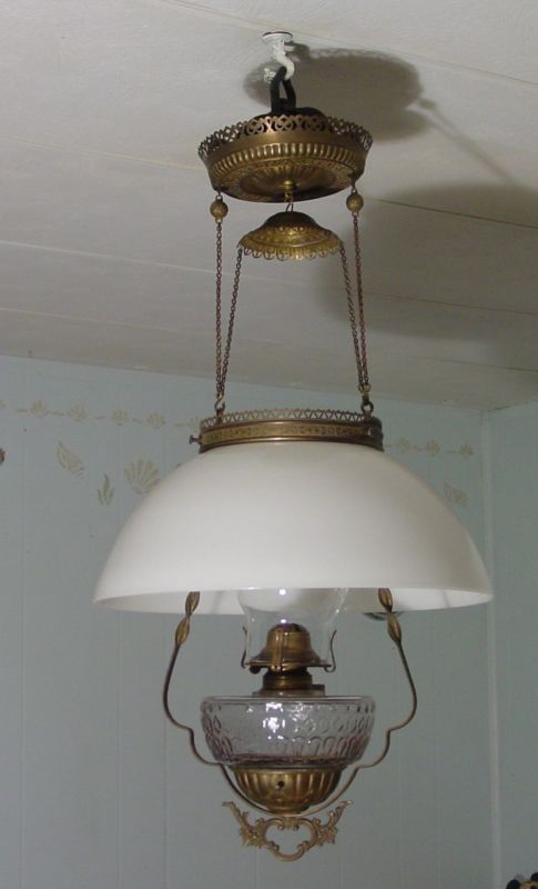 love these antique hanging lamps~ | *Shine*Your*Lamp*Light