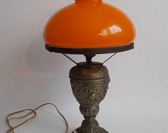 Antique and classic table lamps – set timeless accents