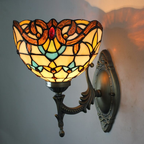 Tiffany wall lights – visible glass works of art with cozy light