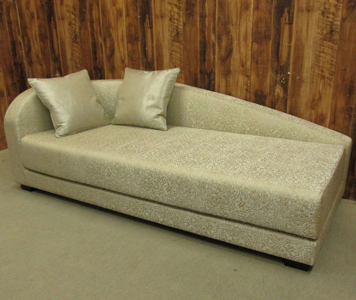 140511-02s00 5 reasons to choose a 2 seater sofa for your bedroom 5 reasons