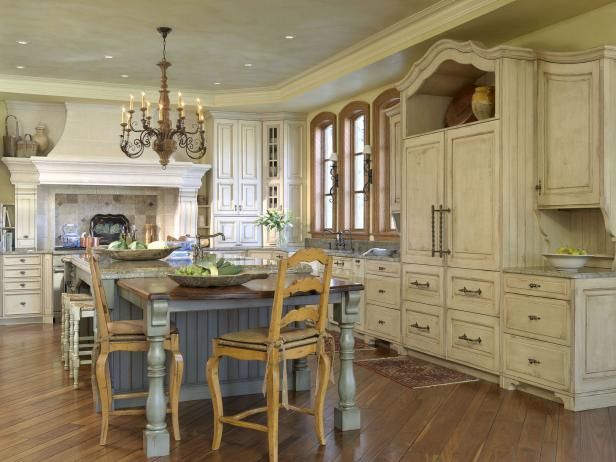 French Country-Style Eat-in Kitchen with Glazed Cabinetry