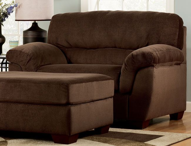 similar to my living room chairs/ottomanswould love to have these in  brown leather