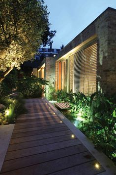 Garden Lighting Design by John Cullen Lighting Garden Lighting Tips,  Landscape Lighting, Backyard Lighting