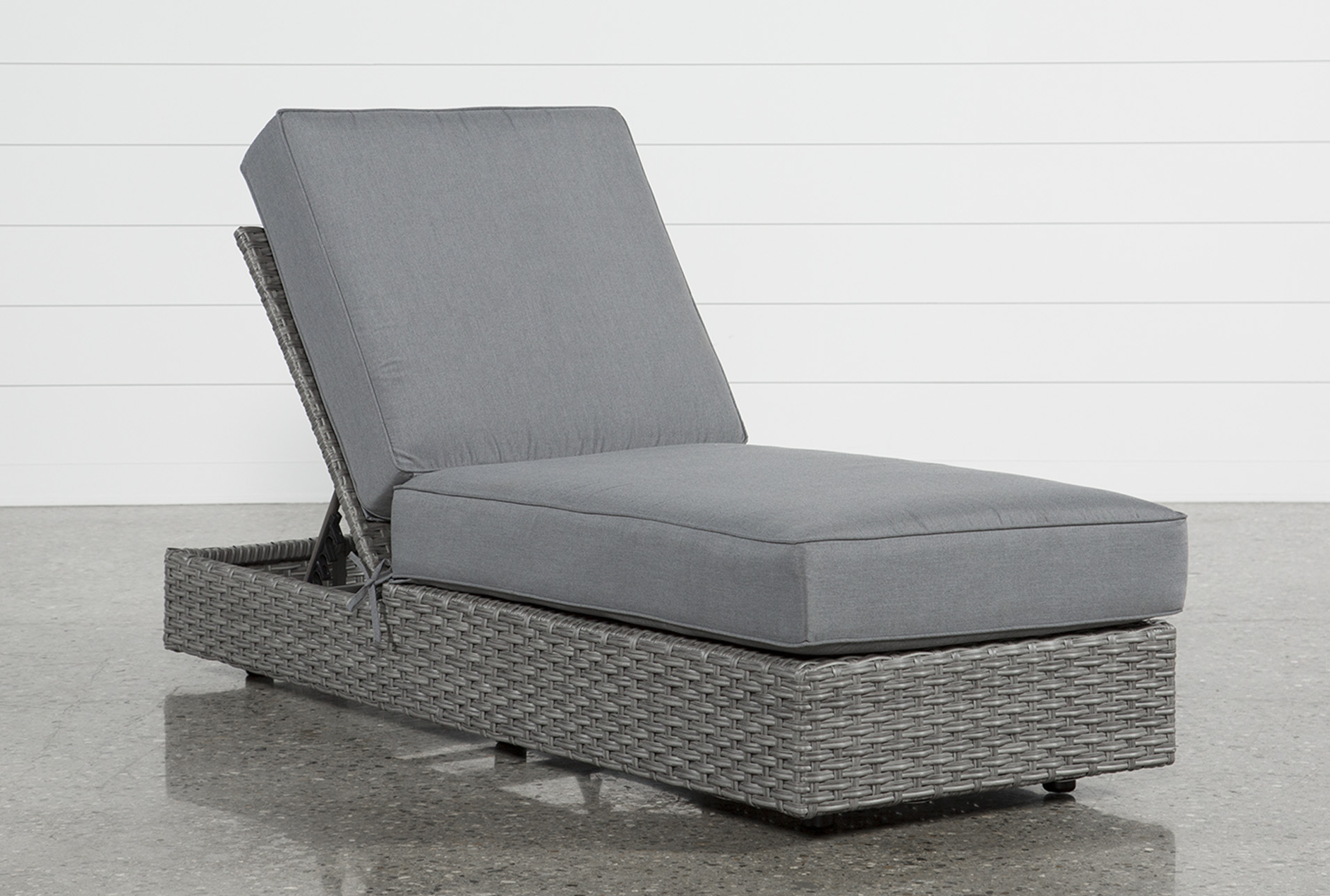 Outdoor Koro Chaise Lounge (Qty: 1) has been successfully added to your  Cart.