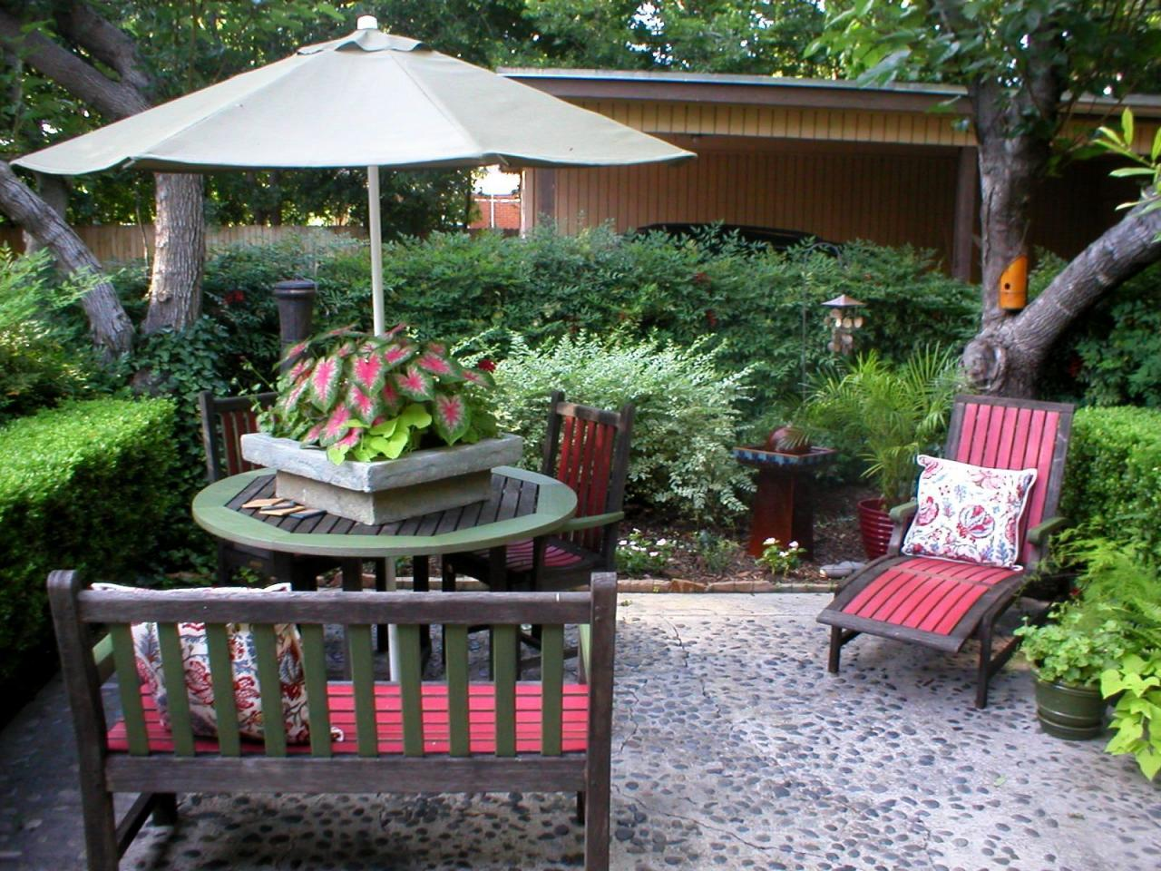 Add Inexpensive Touches to Dress Up Outdoor Spaces