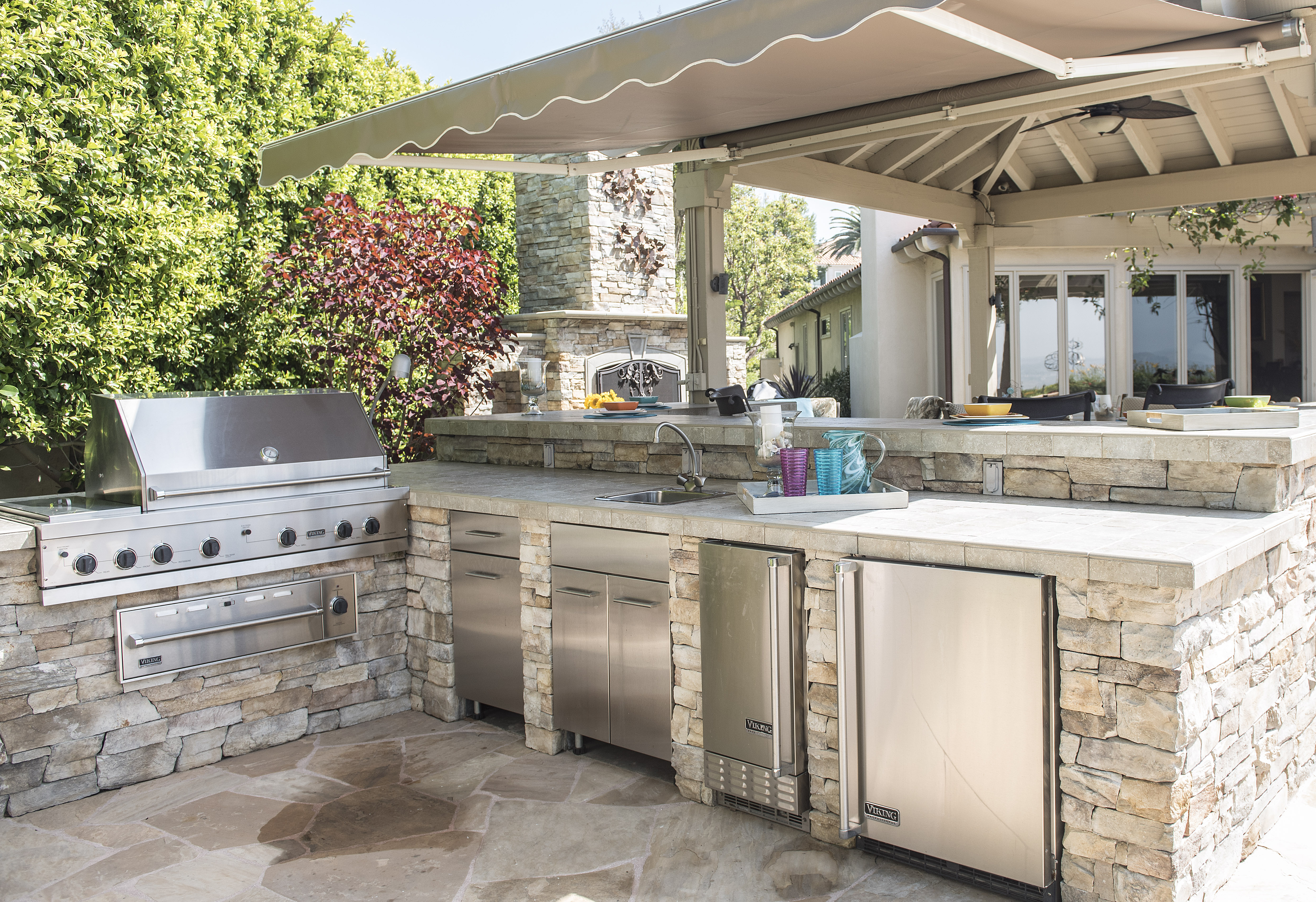 An outdoor kitchen at the home of Mary and Michael Fry in Yorba Linda, on  Friday, June 2, 2017. (Photo by Nick Agro, Orange County Register/SCNG)