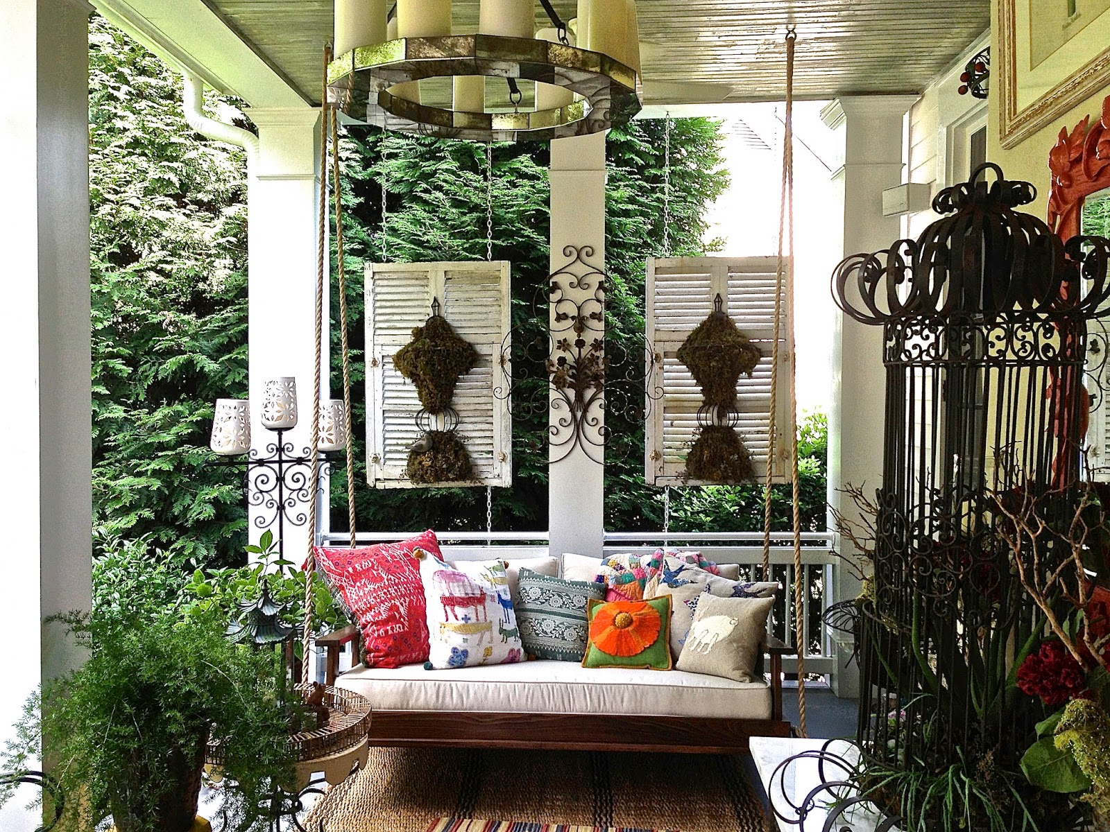 Stylish Front Porch Swings