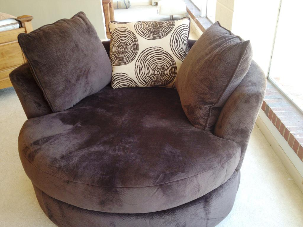 Big Round Loveseat · Corner Round Loveseat Design