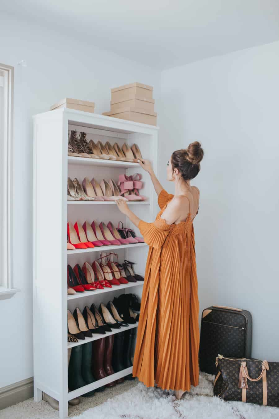 The most magnificent shoe shelf as a shoe storage idea.