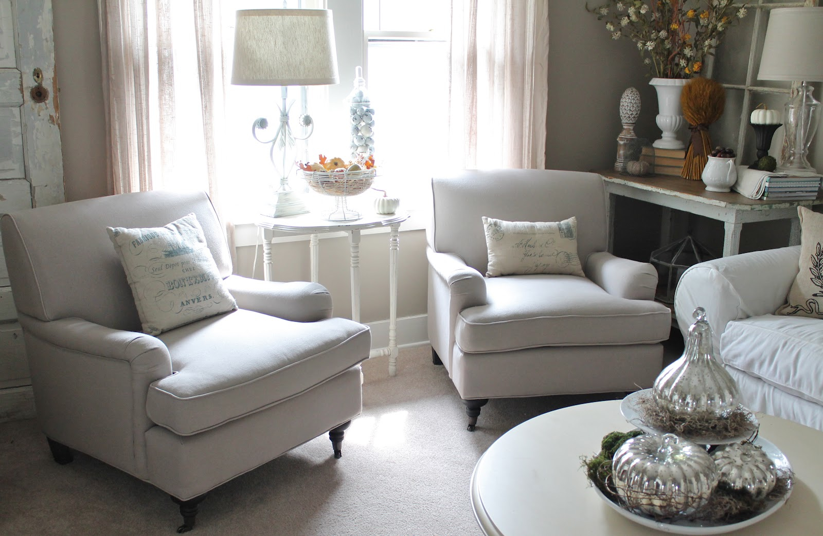 Small Armchairs For Living Rooms