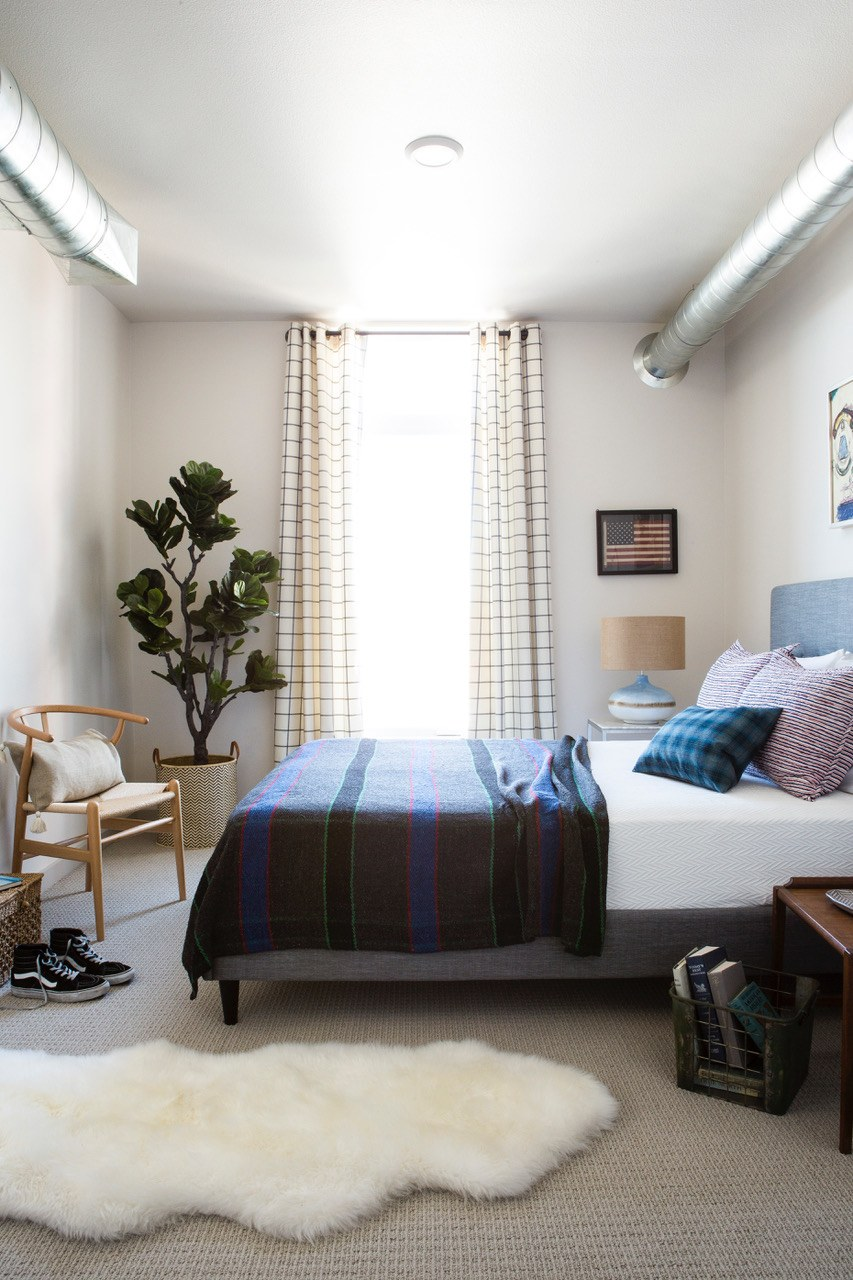 draperies in small bedroom