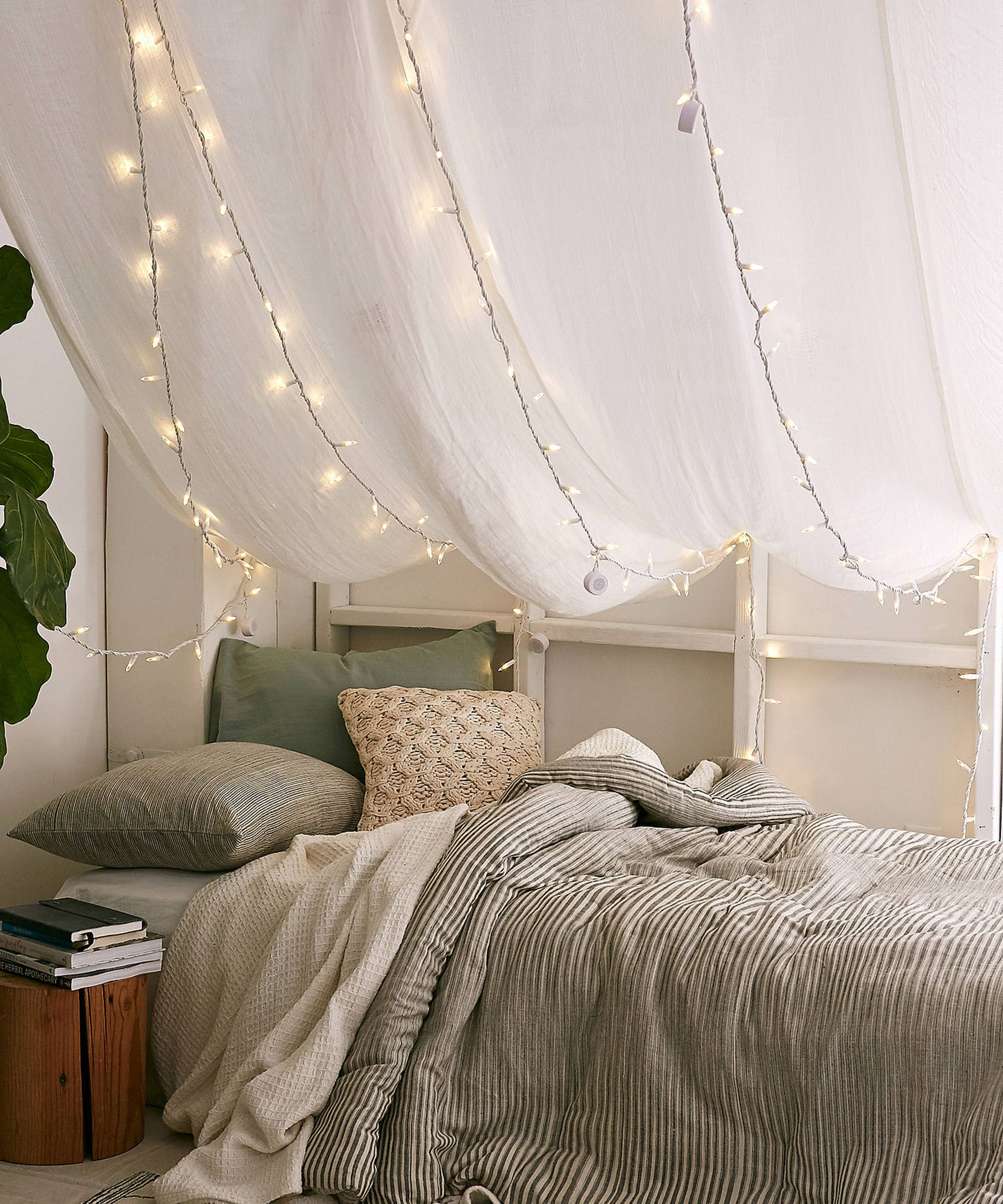 10 Cute String Lights That Work For Dorms — & Grown-Up Homes