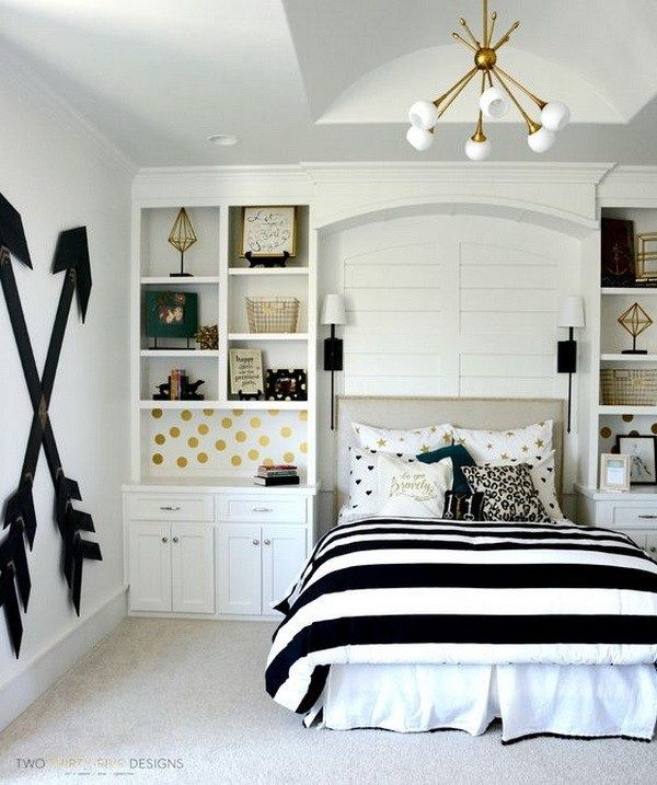 Pottery barn teen girl bedroom with wooden wall arrows. Budget-friendly  choice for a chic bedroom decor with this DIY wooden wall arrows.